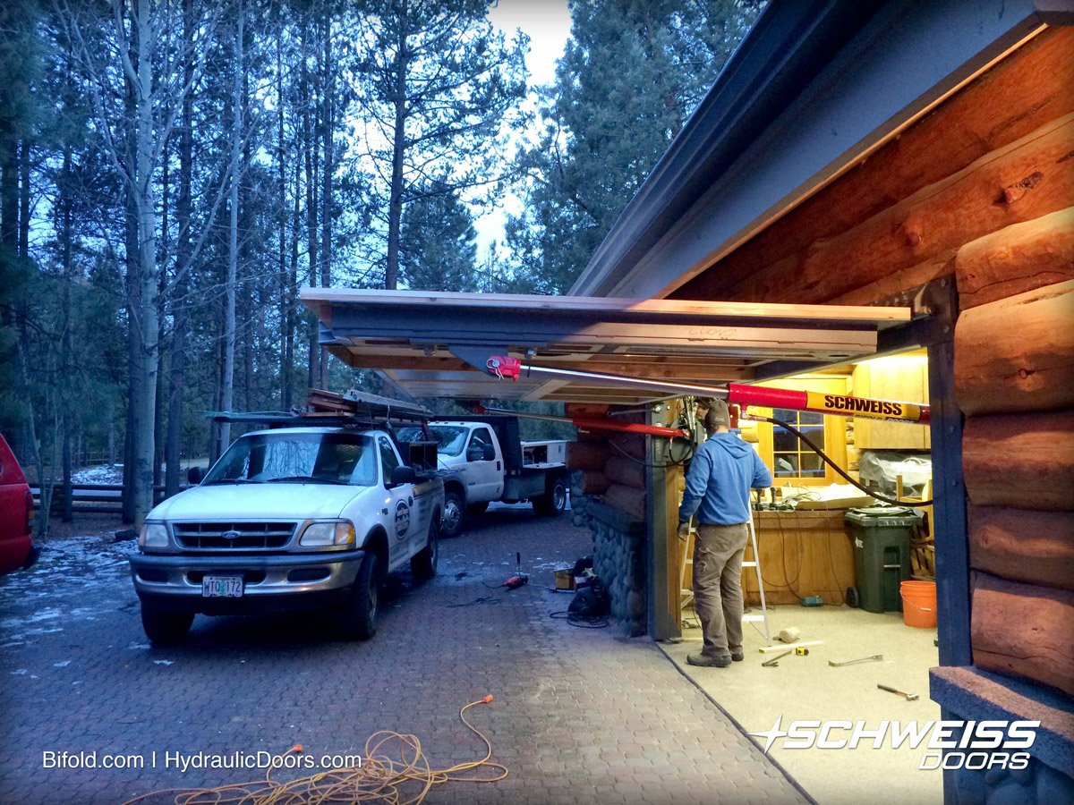 Custom residential hydraulic garage door